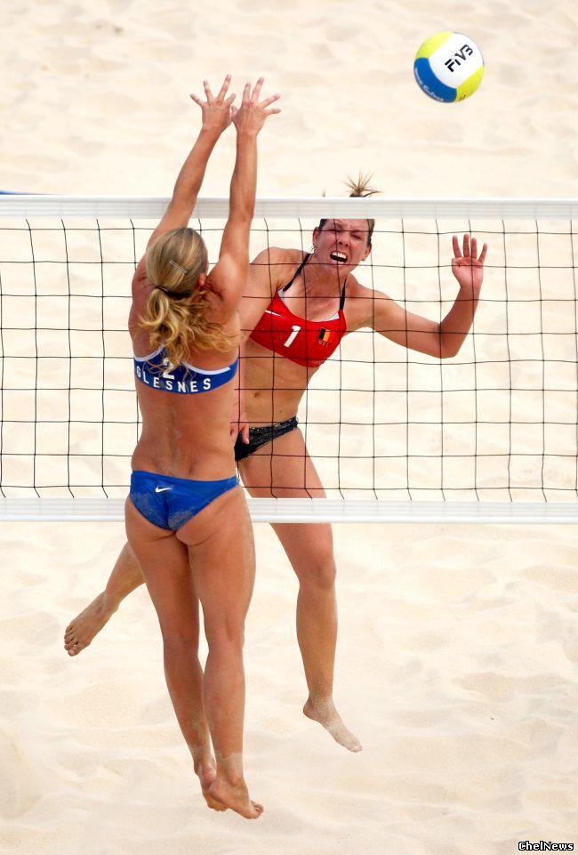 Журналисты ерничают на тему пляжного