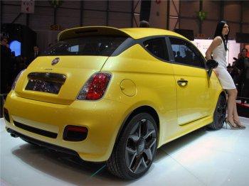 Fiat преобразовывает хэтчбек 500 в купе