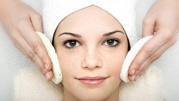 Совершенная женщина – здоровая кожа на лице и гладкая в области бикини