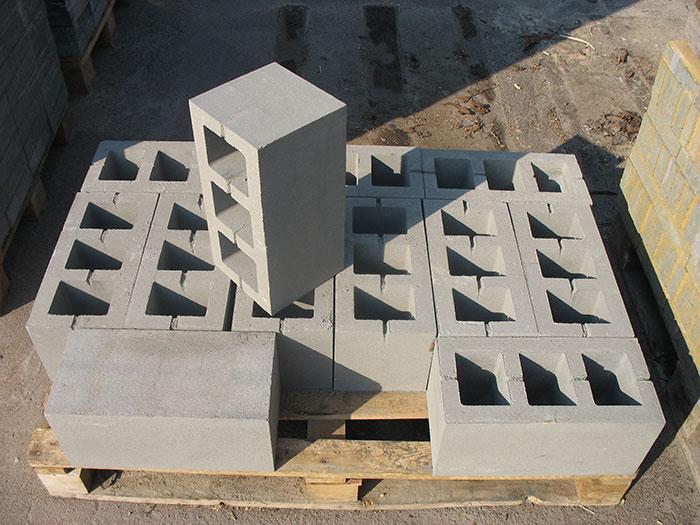 Дом своими руками из бетонных блоков