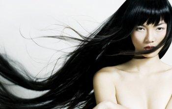 Наращивание волос: плюсы и минусы, уход за ними