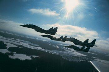 Над Челябинском станет потише: военных летчиков попросили сбавить обороты