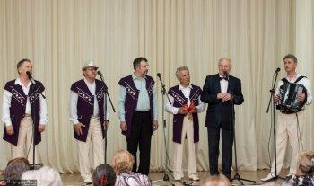 Праздничный концерт для ветеранов организовало движение «За возрождение Урала»