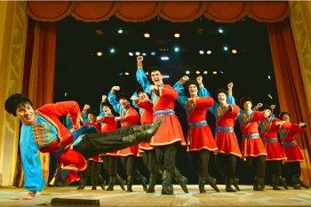Ансамбль «Урал» покажет челябинцам танцы из обширной концертной программы, представленной в Крыму
