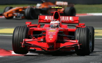 Абоненты «МегаФона» поделились новостями с «Формулы-1» на 10 ТБ