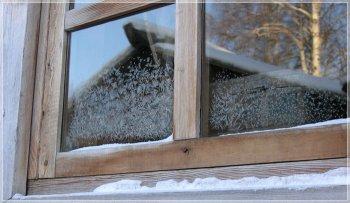 Моем и утепляем окна в доме