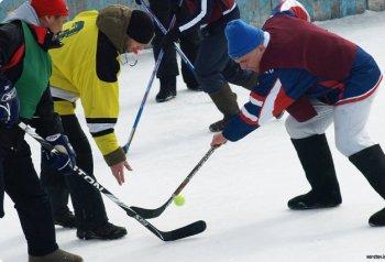 В Челябинске стартовал 5-й юбилейный сезон игр по хоккею в валенках