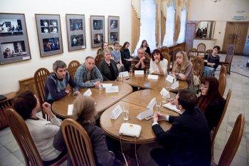 Челябинские театралы обсудили в Камерном театре современную драматургию