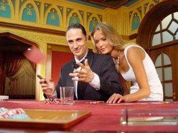 Почему люди играют в казино?