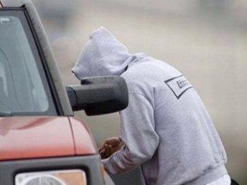 """В Челябинске полицейские оперативно вернули угнанную """"десятку"""" хозяйке"""