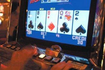 Видеопокер в игровых автоматах онлайн: правила и особенности игры