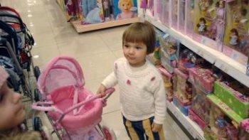 Государство поддержит производителей детских товаров в условиях санкций