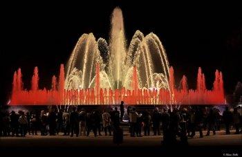Поющие фонтаны Монтжуик в Испании сила и красота водной стихии