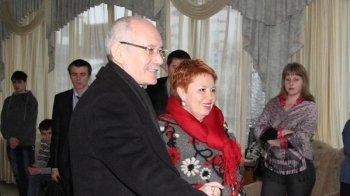 Фонд супруги Рустэма Хамитова получает деньги из сомнительных источников